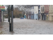 Storm Frank floods [Image source: Padraig Hoare/Evening Echo, https://twitter.com/PodgeEcho]